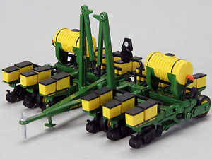 1984 John Deere 7200 12 ROW Maxemerge Planter 1 64 BY Speccast JDM251 ...