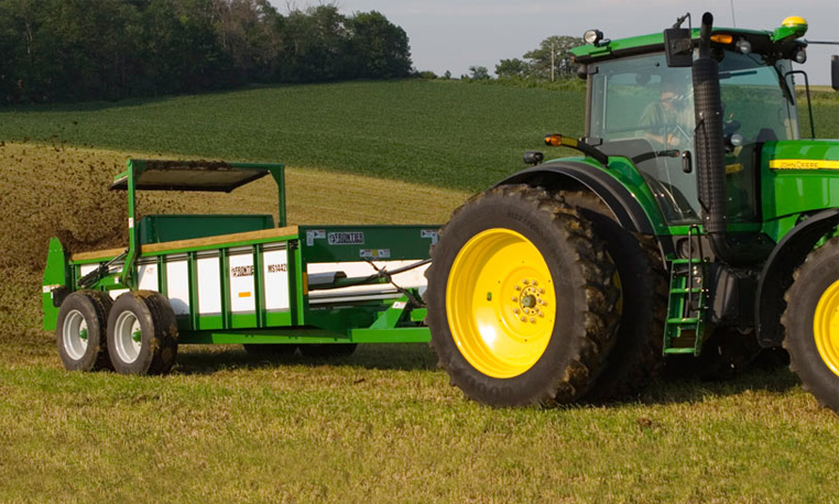 John Deere Manure Spreaders Livestock & Equine Equipment JohnDeere.com