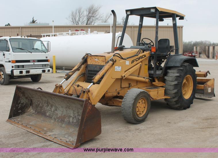 .JPG - 1994 Ford 455D landscape loader, 5,086 hours on meter, Ford ...