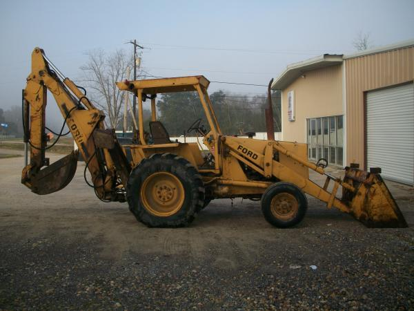 Ford 555A Backhoe