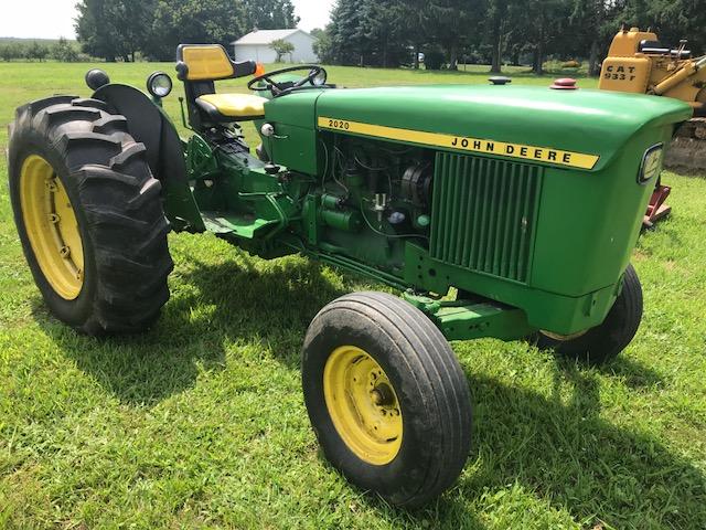 John Deere 2020 Farm Tractor - Greenhill Farms Equipment, Inc