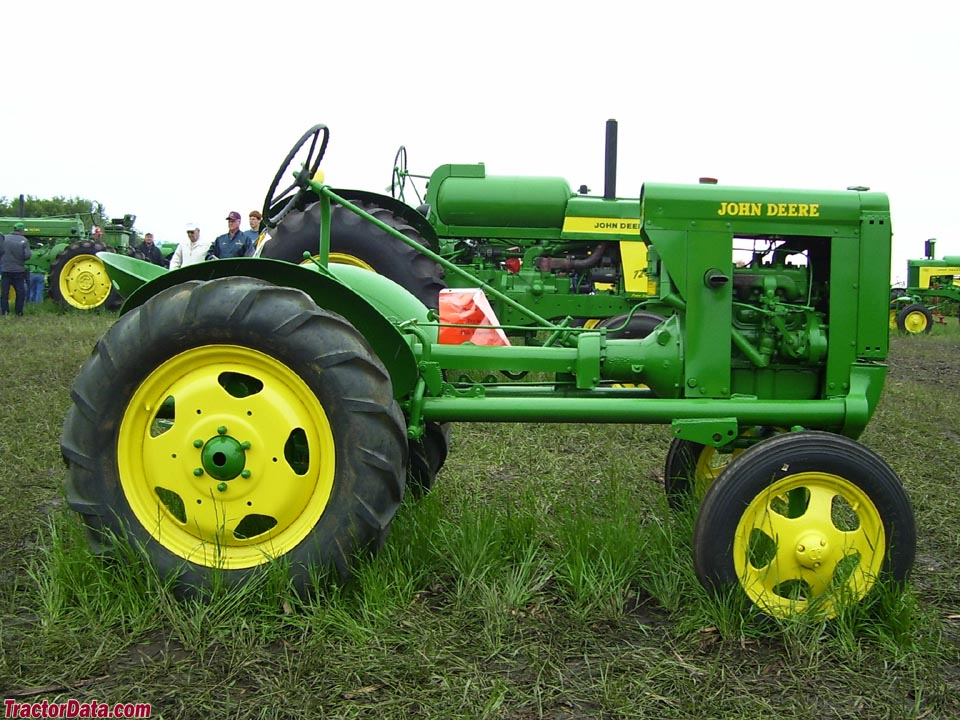 TractorData.com John Deere L tractor photos information