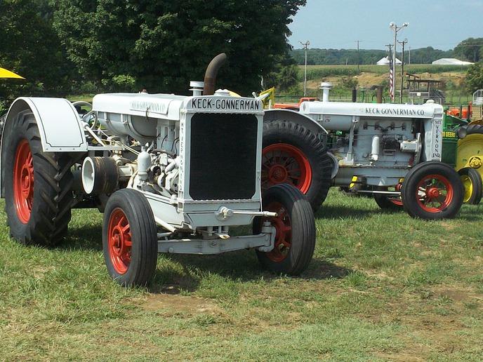 Keck-Gonnerman threshing machines - Yesterday's Tractors