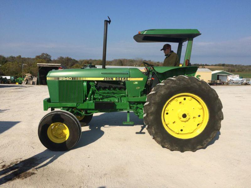 John Deere 2940 Tractors for Sale | Fastline