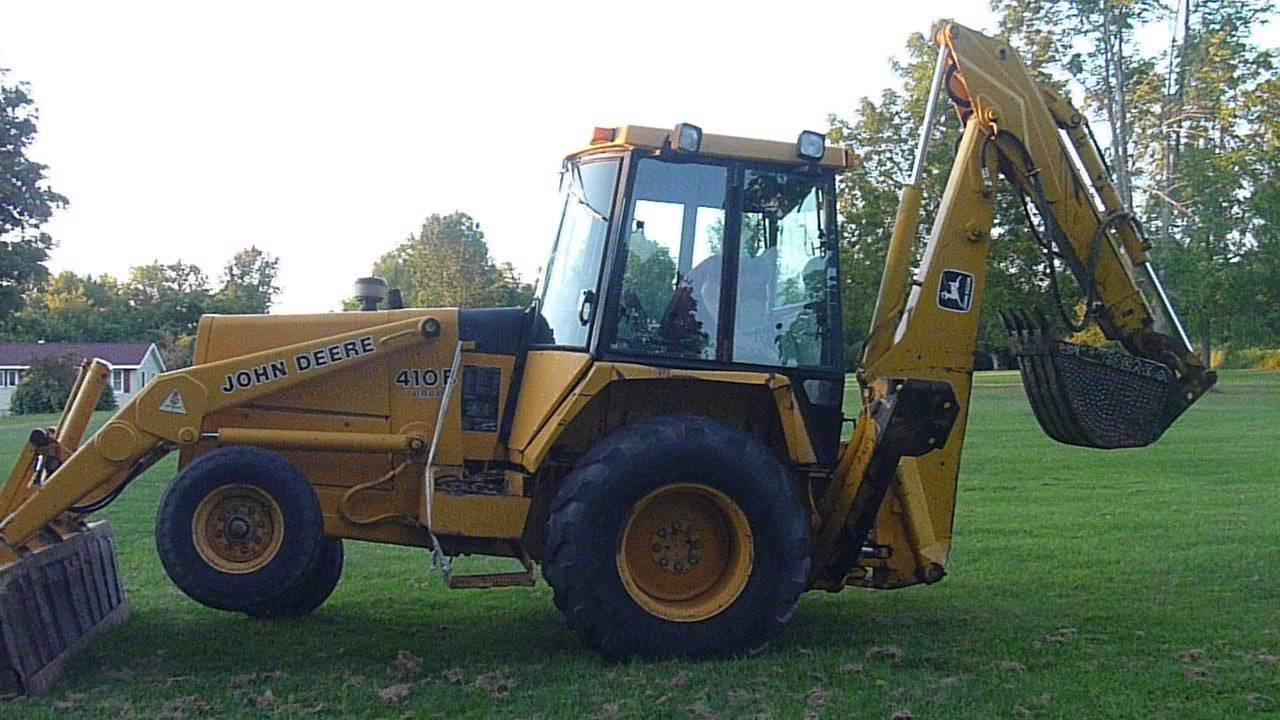 John Deere 410B backhoe - YouTube