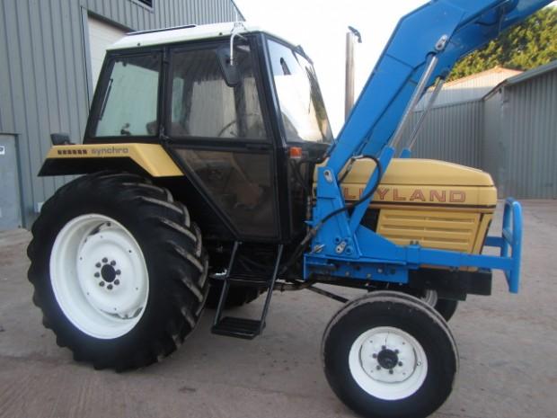 Leyland 802, 1982, 2,776 hrs   Parris Tractors Ltd