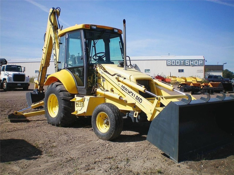 New Holland 675E Backhoe - Reedsburg, WI | Machinery Pete