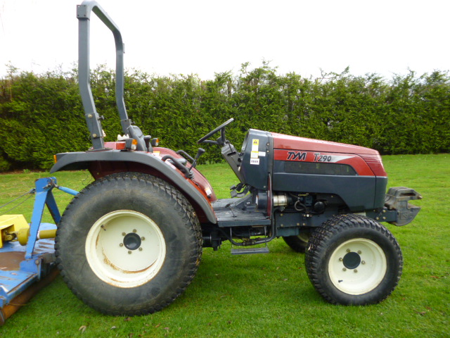TYM T290 COMPACT TRACTOR 4X4 500 HOURS ! for sale - FNR Machinery