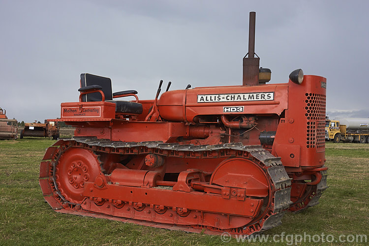 1965 Allis Chalmers HD3 Photo - Royalty Free Allis Chalmers Tractors ...
