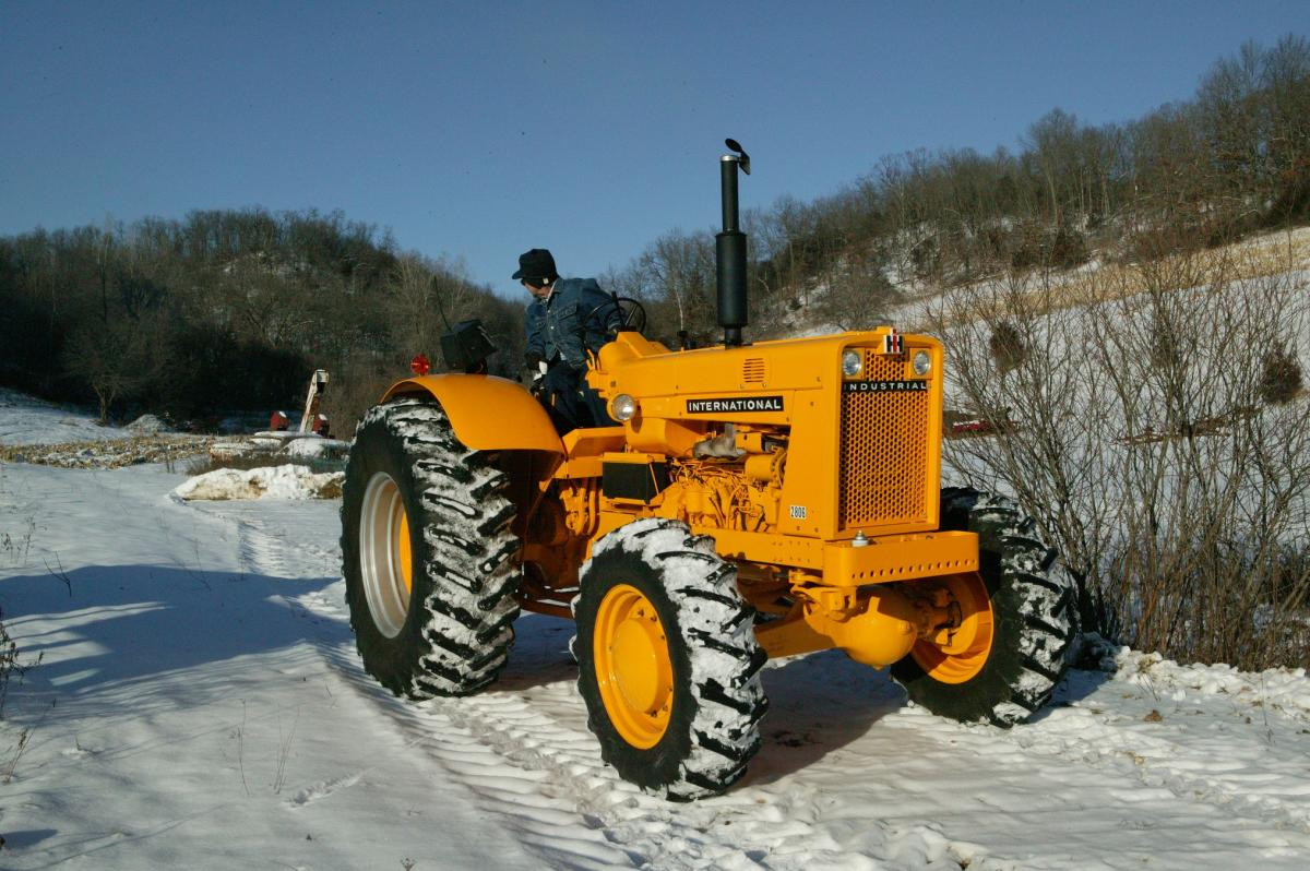 You can see more tractor photography by Lee Klancher in Red Tractors ...