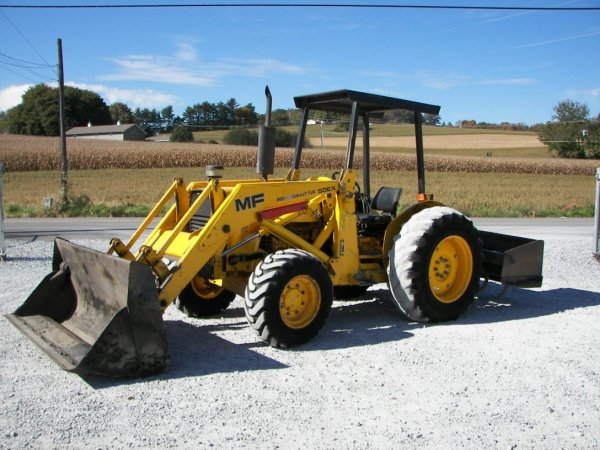 1256: Massey Ferguson 50EX 4x4 Tractor with Loader : Lot 1256