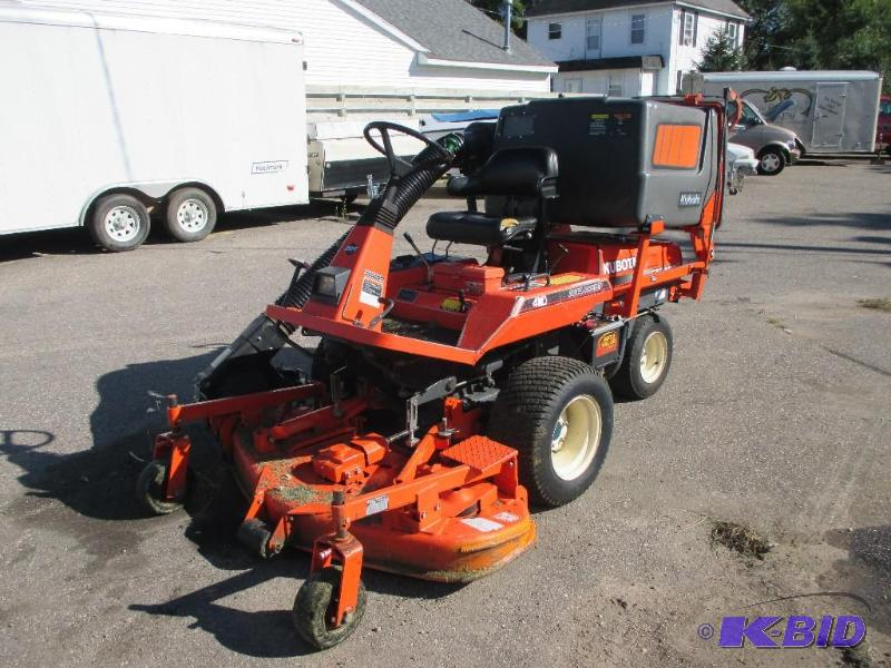 Kubota FZ2400 Zero Turn mower, Front mount mo... | Sept Consignments ...