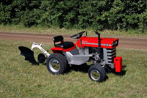 beautifully restored Massey Ferguson 12 Lawn & Garden Tractor owned ...