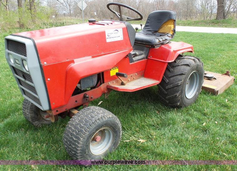 Snapper Massey-Ferguson 1855 lawn mower