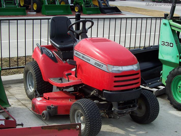 2005 Massey - Ferguson 2927 L&G tractor with 60