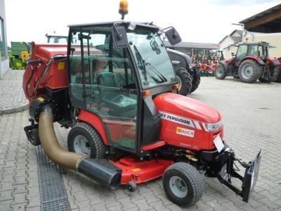 Vineyard tractor Massey Ferguson 2927 XL-4WD + Mähausstattung ...