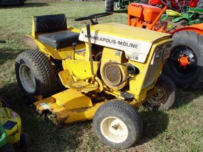 Minneapolis-Moline 110 Hydro Lawn Tractor w/deck | #473078