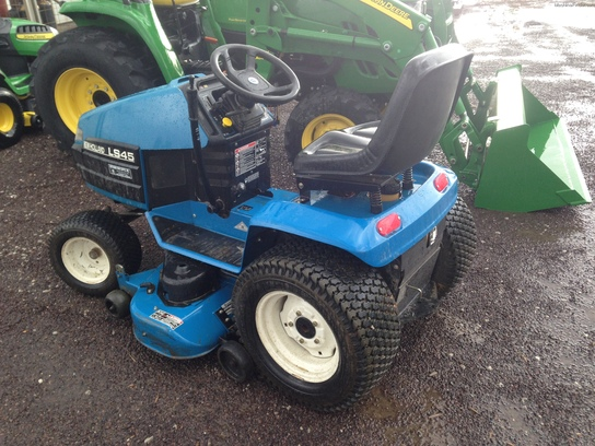2000 New Holland LS45 Lawn & Garden and Commercial Mowing - John Deere ...