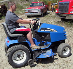 NEW HOLLAND MY17 Tractor, w/mower