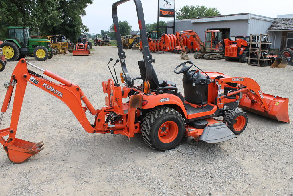 kubota backhoe loader