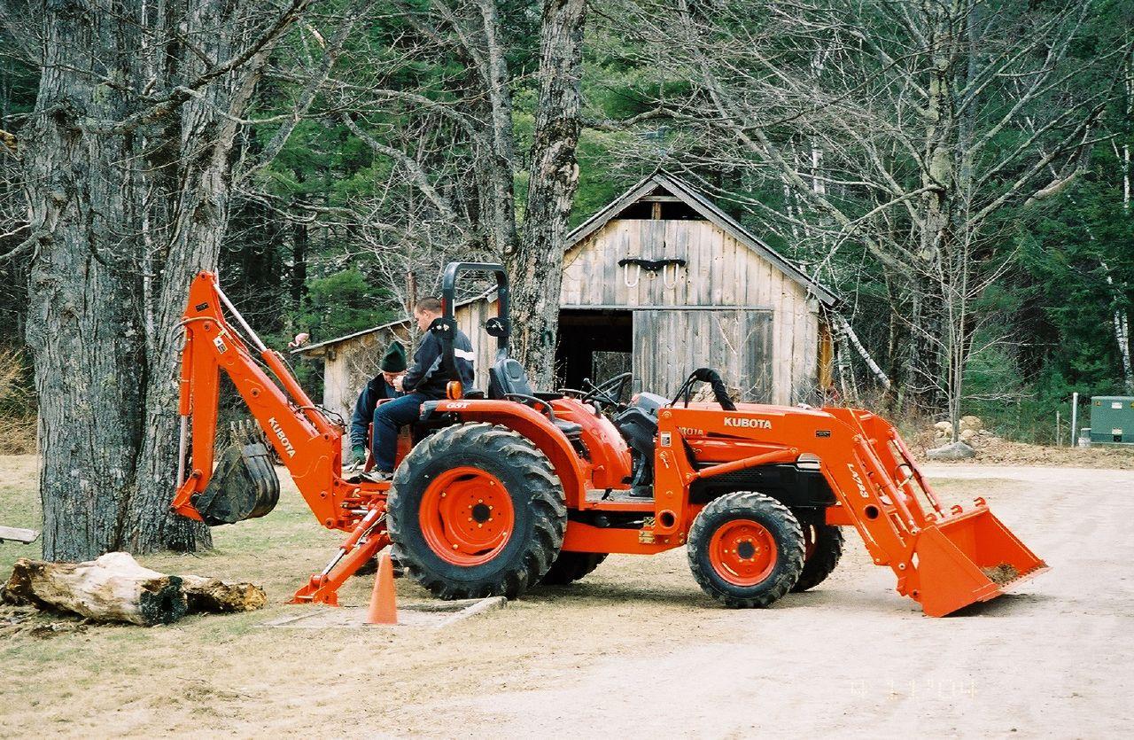 Description Kubota tractor with front loader and backhoe.jpg
