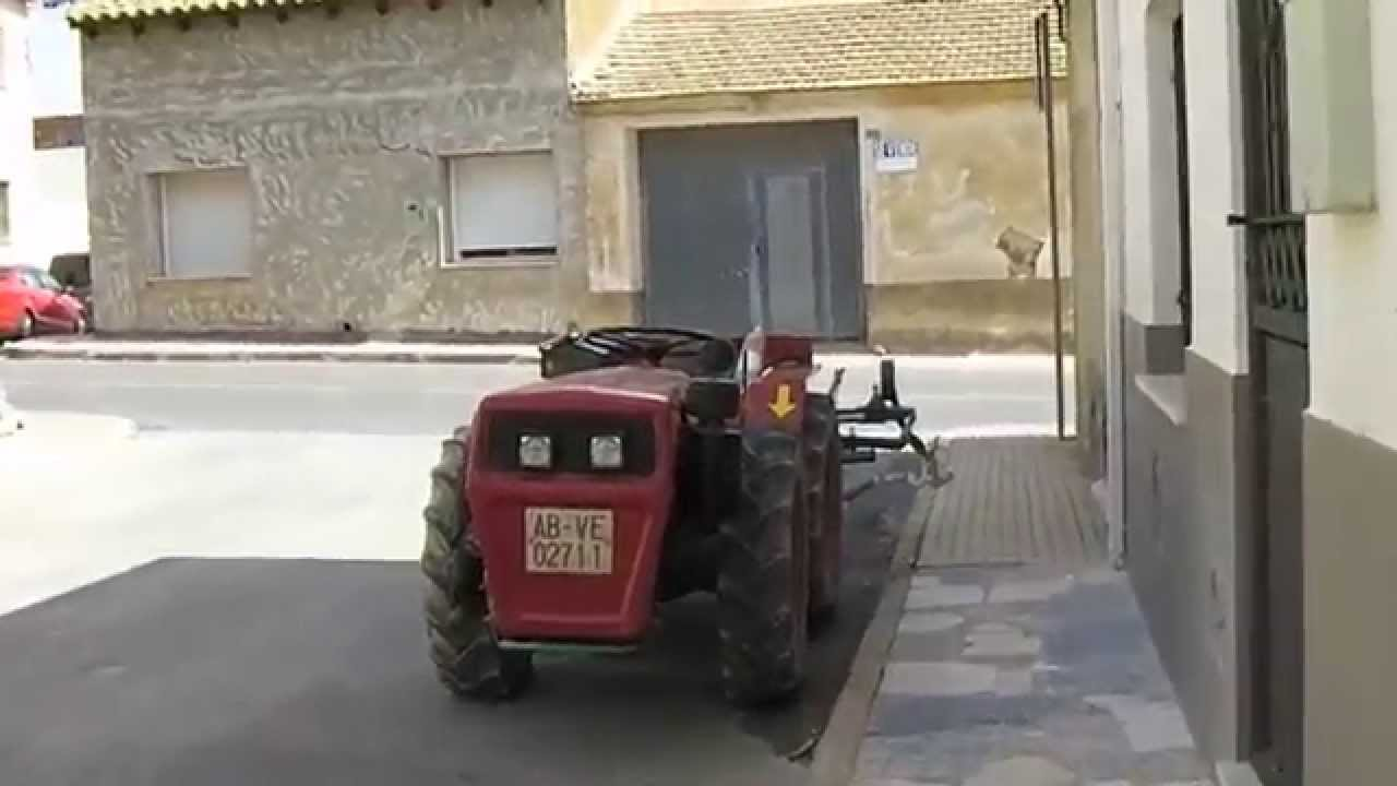 Agria Hispania 8900 de Diesel Tractor with plough - YouTube