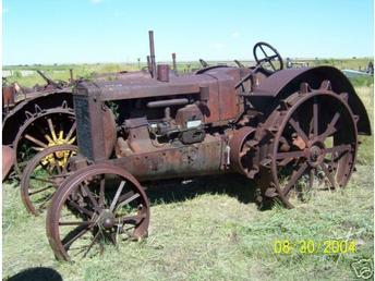 Wallis 20-30 Antique Steel Wheel Farm Tractor - TractorShed.com