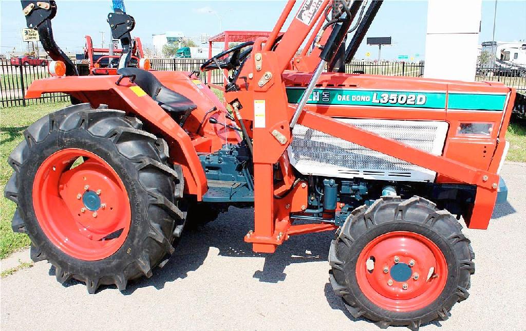 daedong tractor