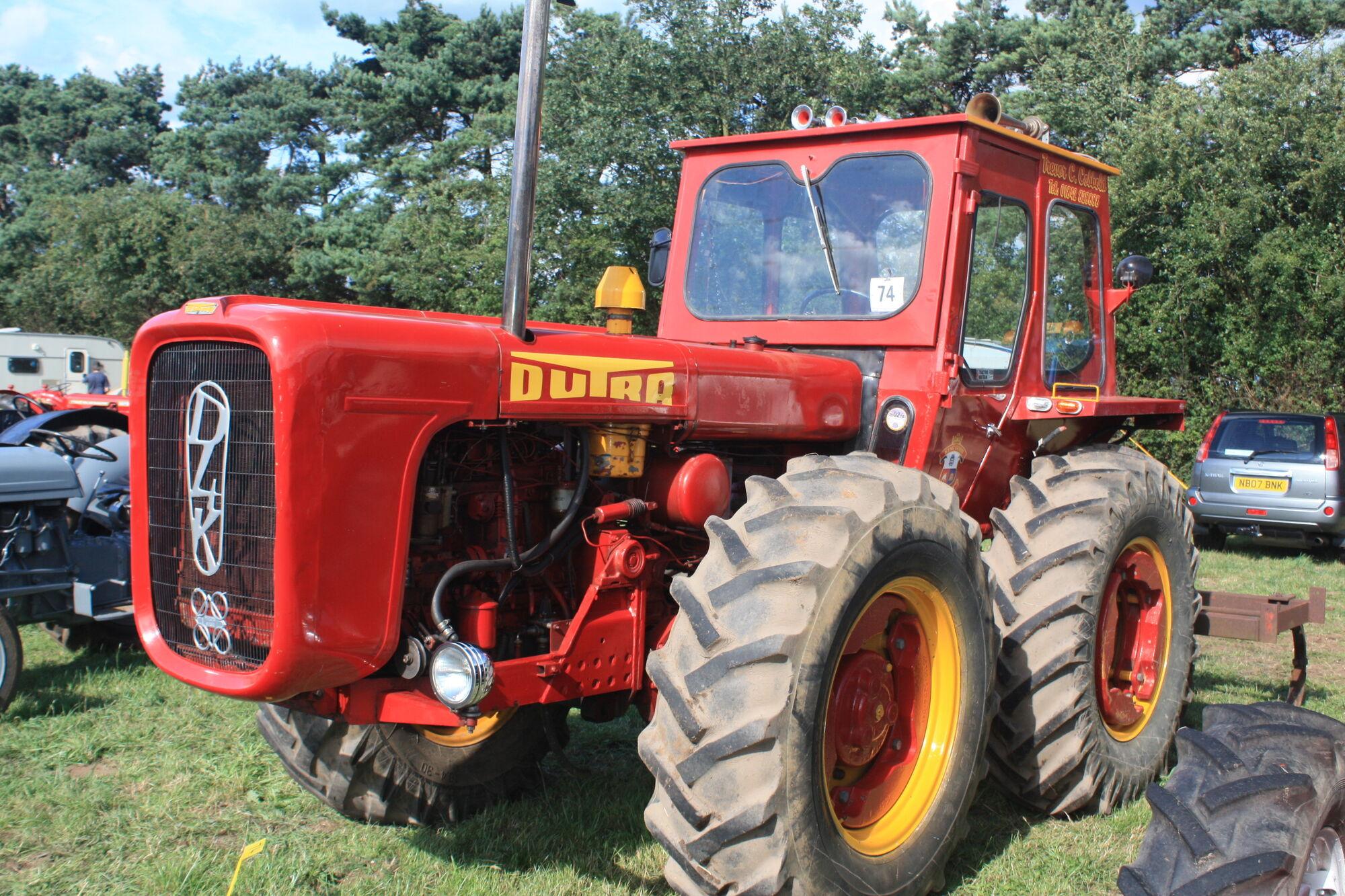 dutra tractor