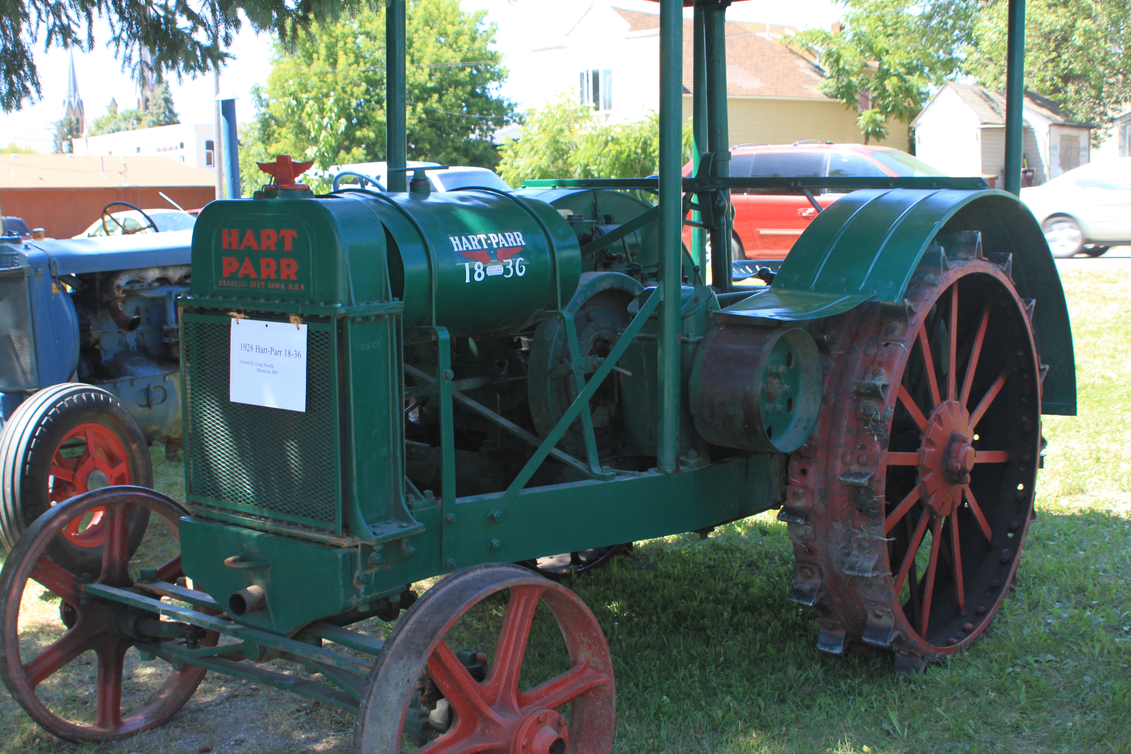 File:Hart-Parr 18-36 Tractor.jpg - Wikimedia Commons