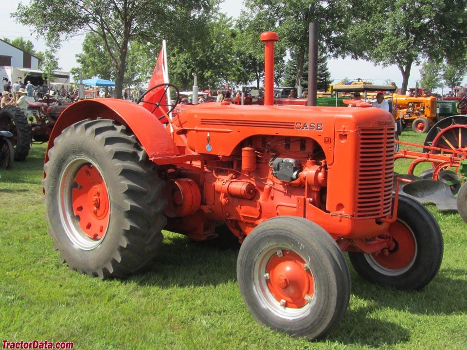 TractorData.com J.I. Case LA tractor photos information