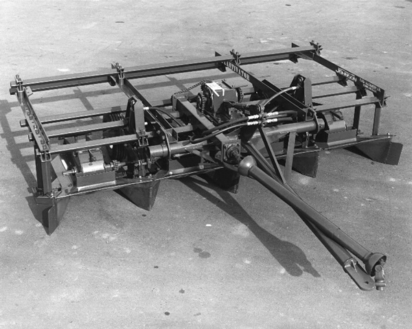 johnson manufacturing tractor