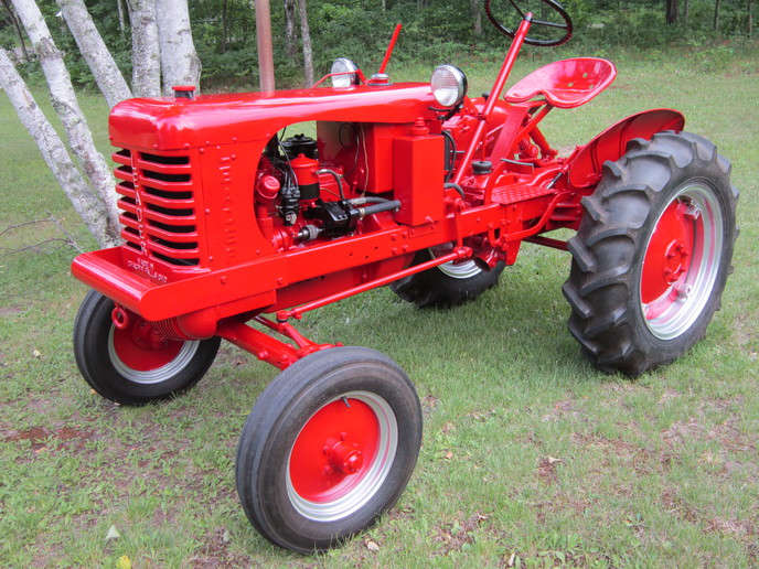 leader tractor