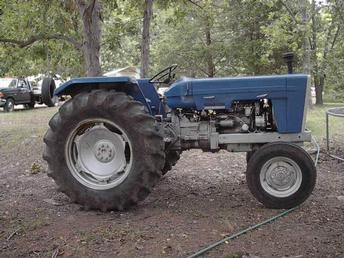 Ebro 460 Importer -Mckee Harvester Canada - TractorShed.com