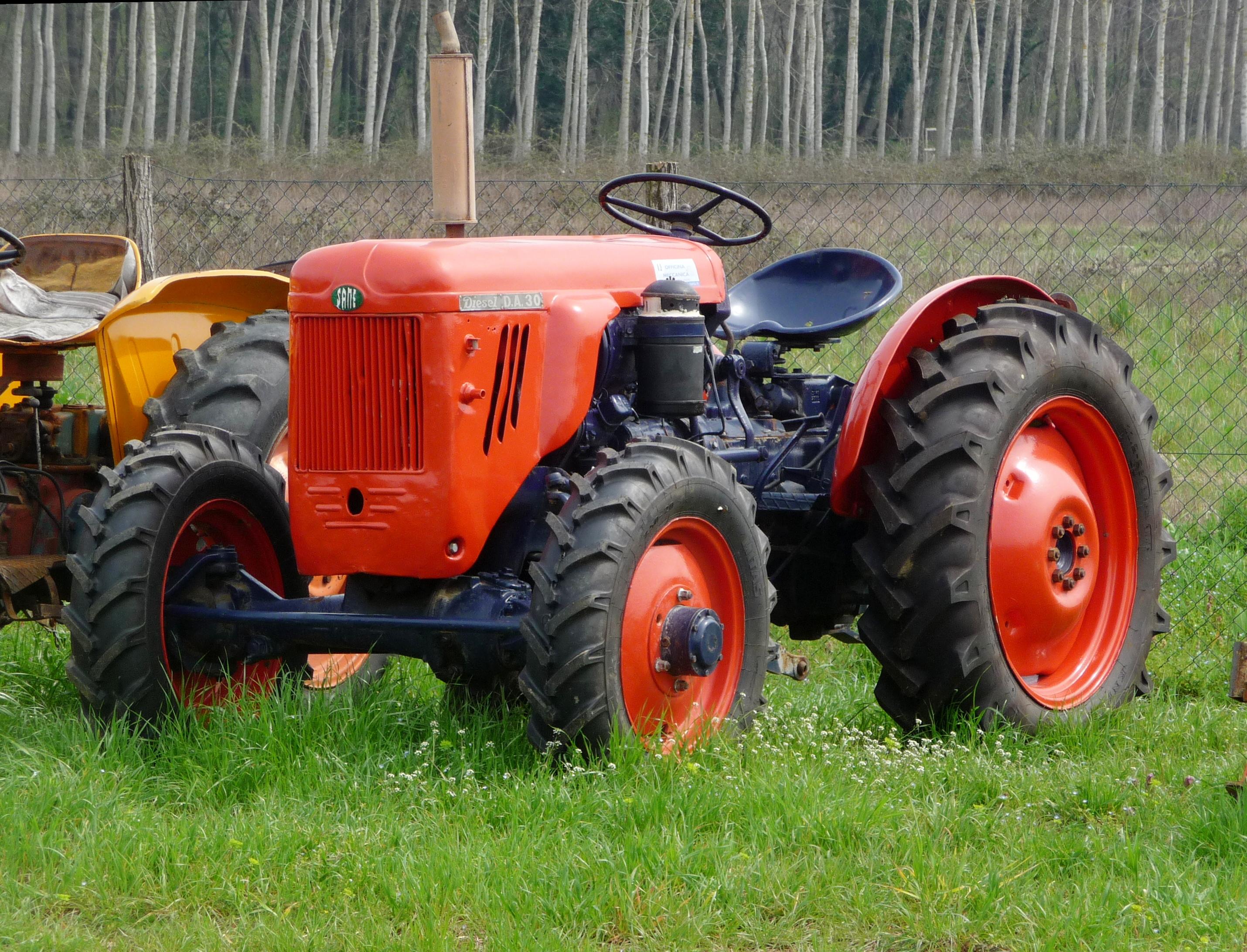 File:Same tractor 2.JPG - Wikimedia Commons