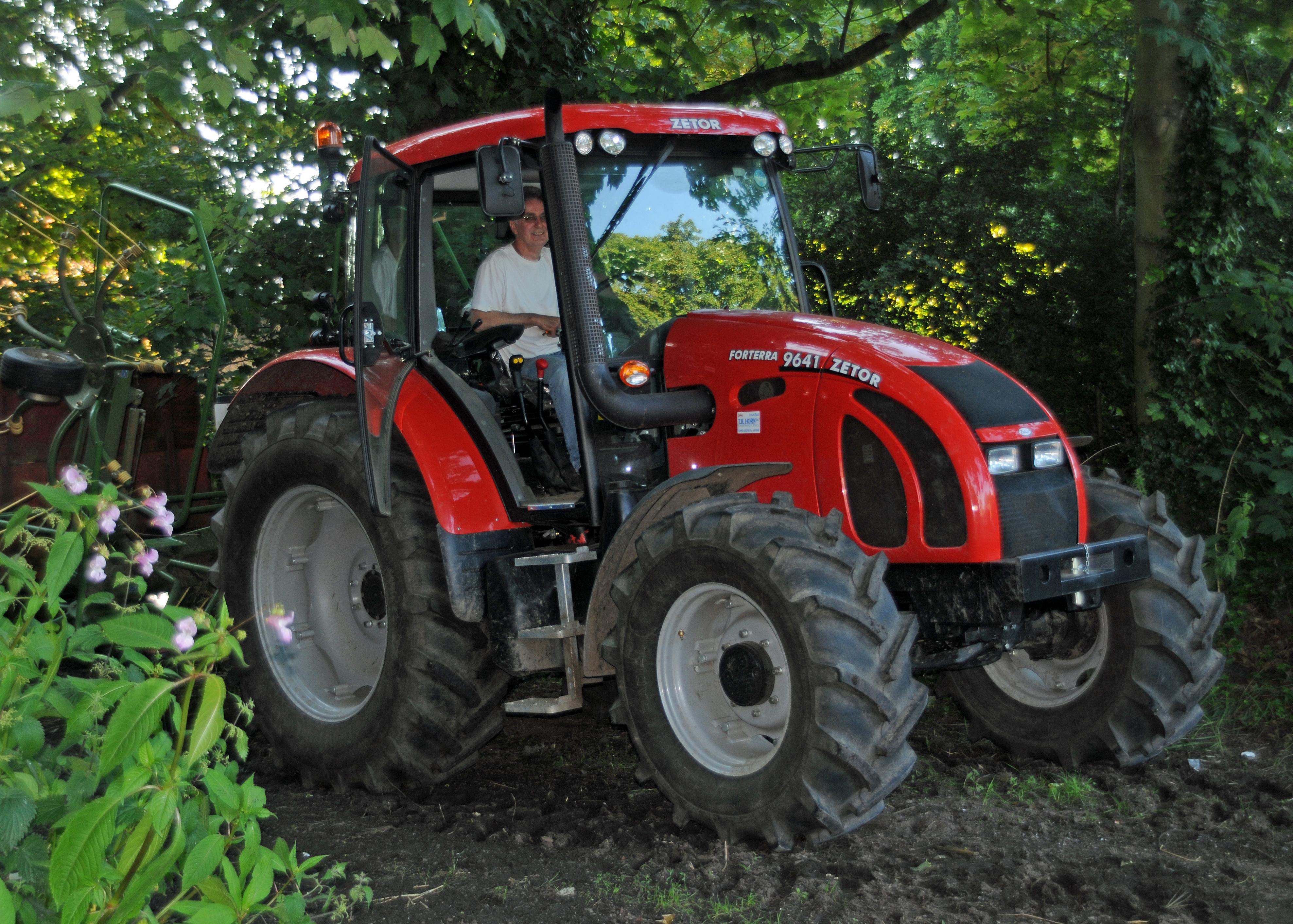 zetor farm tractors