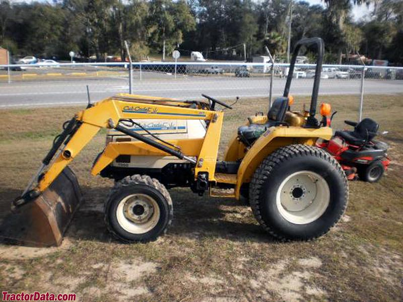 TractorData.com Cub Cadet 7260 tractor photos information
