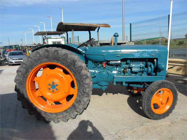 Used Ebro 44 tractors Year: 1963 Price: $2,071 for sale - Mascus USA