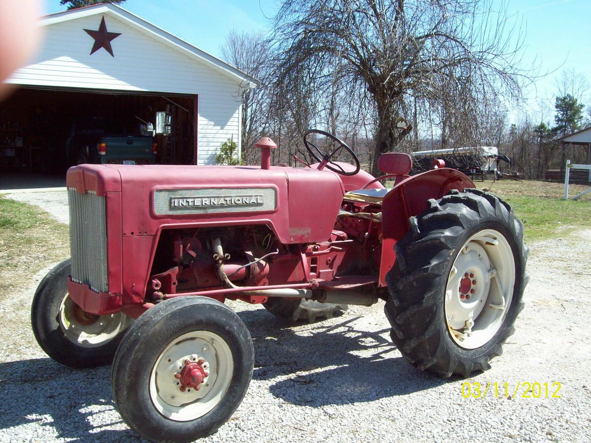 International Harvester B414 Farm Tractor