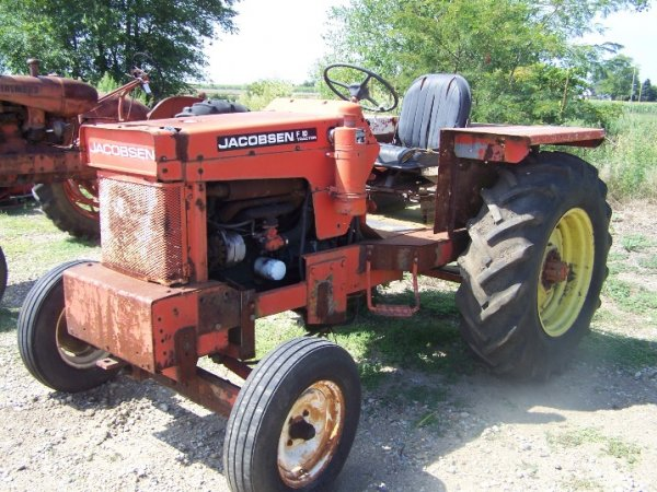 294: Jacobsen F10 Farm Tractor : Lot 294