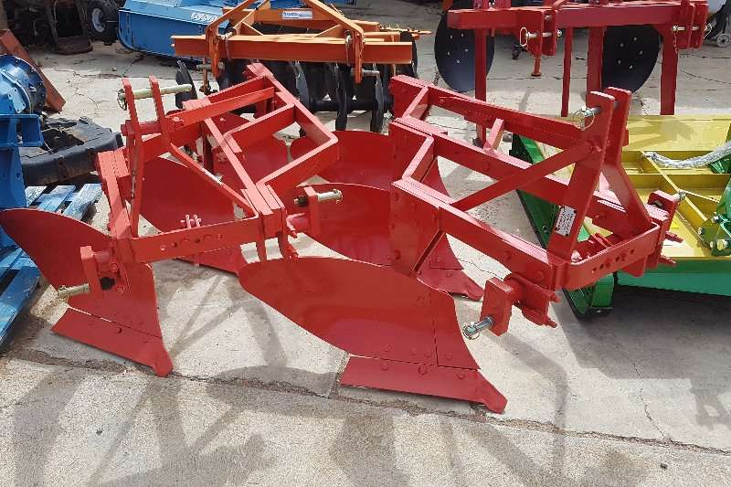 2013 Inne Johnson 3 row plough Plough Farm Equipment for sale in ...