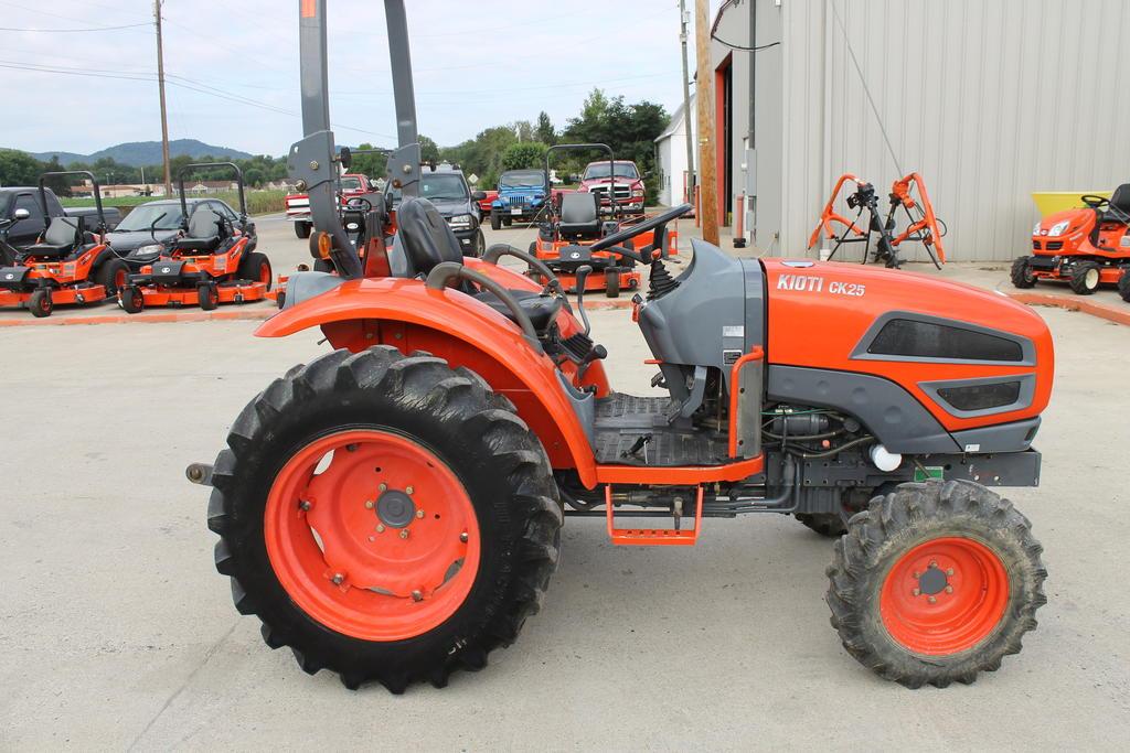 2008 Kioti CK25 Compact Farm Tractor - Ricer Equipment, Inc.