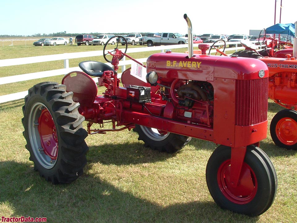 1950 B.F. Avery model R with single front wheel. (2 images) Photos ...