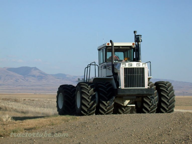 Big Bud 500 - TractorTube video news - English