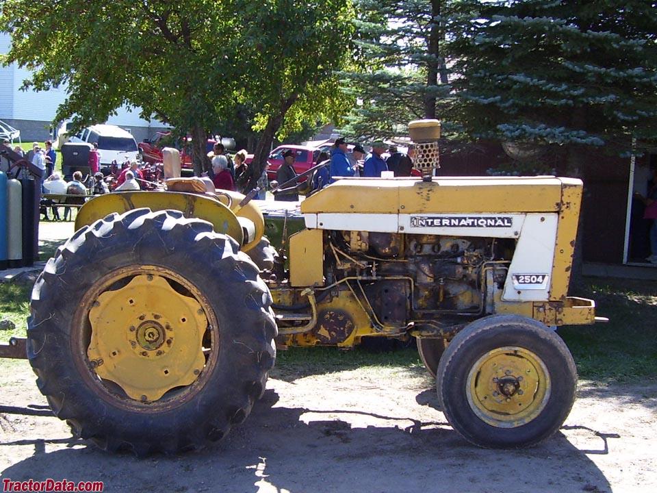 TractorData.com International Harvester 2504 industrial tractor photos ...