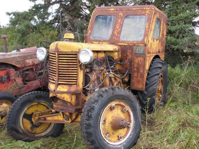 model is this? U industrial rare? factory cab? - Minneapolis Moline ...