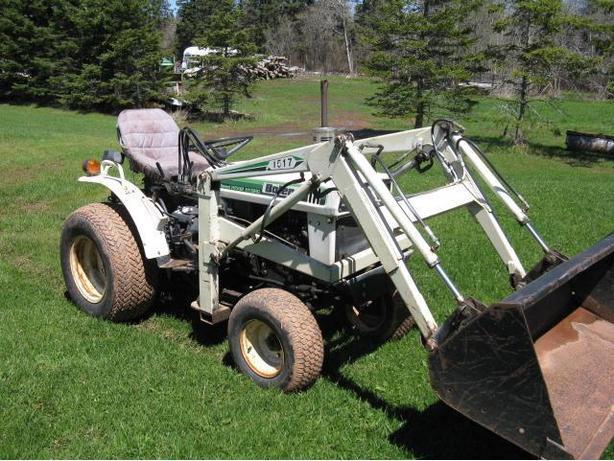 Bolens H1502 Sub Compact Utility Tractor PRINCE COUNTY, PEI
