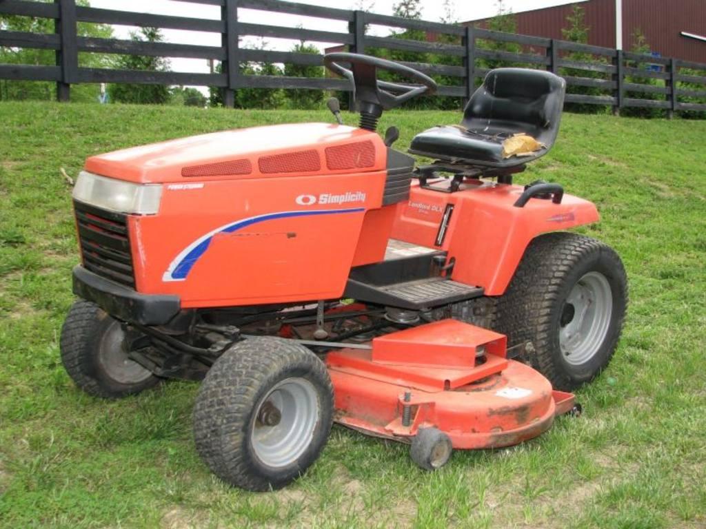 simplicity lawn tractors
