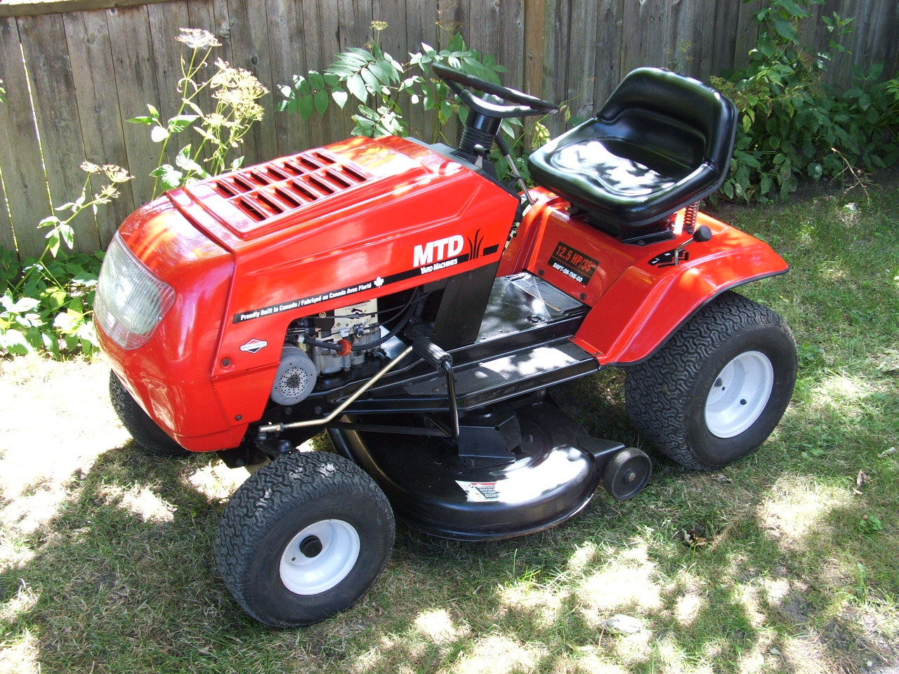 Small Engine Store: MTD Yard Machines Lawn Tractor