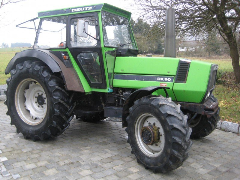 Deutz-Fahr DX 90 Tractor - technikboerse.com